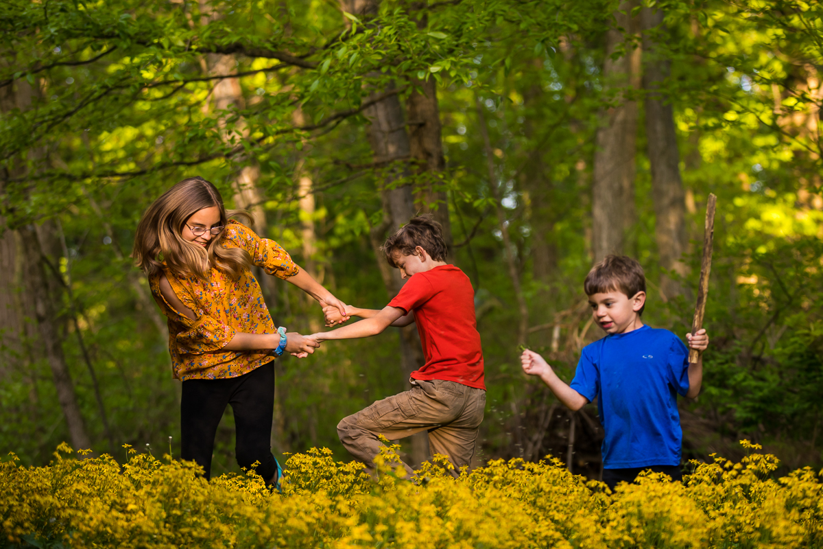 family lifestyle photographer creative natural authentic vibrant homeschool